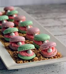 themed macarons - Google Search