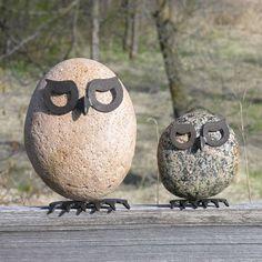 Fantasievolle Gartendeko: Tiere aus Metall und Stein