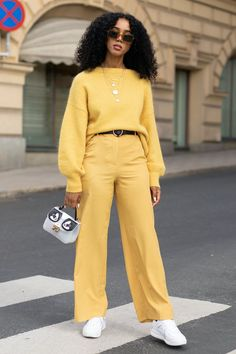 You might not think so, but jumpers are integral to every great look you'll sport this winter. Get inspired by our favourite jumper outfits. Spring Fashion Trends, Autumn Fashion, Fall Trends, Swag Outfits, Fashion Outfits, Grunge Outfits, Style Fashion, Workwear Fashion, Fashion Blogs