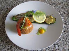 JHS / Gino D'Aquino   Sgombro  e  gambero arrosto  fave e  zucchina ,arancino  di riso fritto . Gino D'Aquino