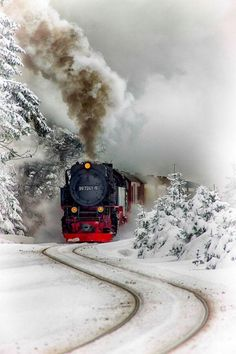 ❦ Tren vapor del Harz by Aitor Ruiz de Angulo~ Steam Train~Harz Steam Train, Brockenhaus, Saxony-Anhalt, Germany. Winter Snow, Winter Time, Winter Christmas, Christmas Train, Christmas Art, Winter Scenery, Old Trains, Snow Scenes, Winter Beauty