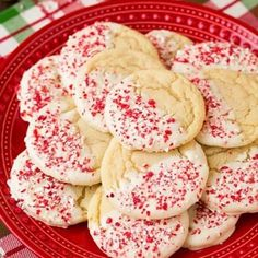 It's that time of year where I start to get a little obsessed with all things peppermint! One thing I love about seasonal foods, like peppermint flavored t