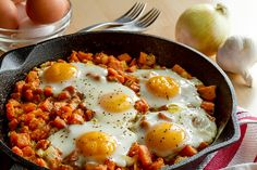 Haleigh C shares her weight loss success story & whole 30 breakfast hash recipe along with insights into her complete mind body spirit transformation Eggs And Sweet Potato, Sweet Potato Breakfast Hash, Bacon Potato, Whole 30 Breakfast, Breakfast Potatoes, Breakfast Bowls, Breakfast Recipes, Breakfast Skillet, Southern Breakfast