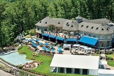 The Saratoga National Golf Club wedding cost, plus other details you'll need to plan a wedding at this New York wedding venue. Casino Hotel, Saratoga Springs New York, New York City, New York Wedding Venues, Infinity Pool, Public Golf Courses, Event Venues, Great Places, Golf Clubs