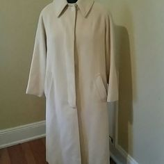 100% cashmere vintage winter coat 100% cashmere winter coat with hidden buttons. The coat is in excellent condition. Vintage  Jackets & Coats Trench Coats