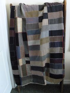 1931 Primitve wool quilt in  crazy scrappy design multicolored Depression era. Possible cutter quilt
