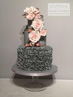 Unusual but Elegant Wedding Cake..