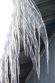 Ice Dams on Roof - Public Domain Photos, Free Images for Commercial Use Beautiful Winter Pictures, Ice Dams, Months In A Year, Public Domain, Free Images, Commercial, Cold, People, Photos