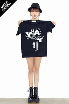 Today's Hot Pick :キッチュプリント半そでTシャツ http://fashionstylep.com/SFSELFAA0025066/stylenandajp/out