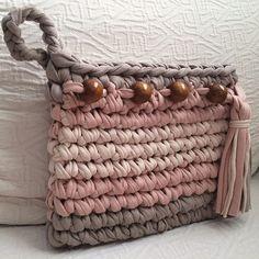 Modelle mit gekämmter Baumwolltasche - My Bag Ideas Crochet Clutch, Crochet Handbags, Crochet Purses, Diy Crafts Crochet, Crochet Yarn, Crochet Projects, Tshirt Garn, Crochet T Shirts, Yarn Bag
