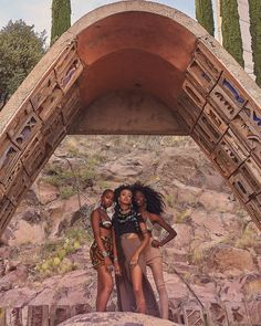 """Bukunmi Grace's """"Arcosanti"""" Editorial Will Bewitch You by Sunset"""