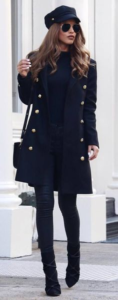 all black everything / hat + bag + coat + top + skinnies + boots