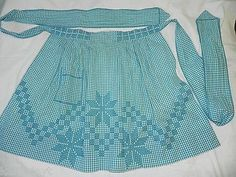 Vintage-turquoise-gingham-kitchen-apron-with-chicken-scratch-embroidery-NICE