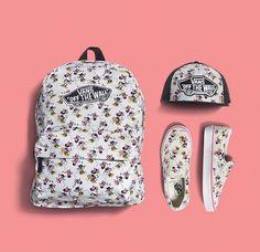 Vans x Disney Collaboration Features Minnie & Mickey Mouse Vans Disney, Disney Purse, Disney Shoes, Disney Outfits, Disney Fashion, Disney Handbags, Disney Clothes, Kids Fashion, Girl Outfits