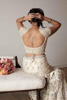 Vintage glam Bollywood wedding inspiration | @Birds & Honey and Tegan Martin-Drysdale Photography | see more on: http://burnettsboards.com/2014/05/vintage-glam-bollywood-wedding/