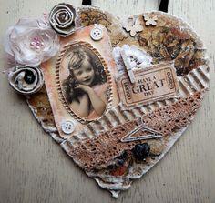 ... Het Valkennest: Vintage/shabby chic hartjes gemaakt van dooskarton