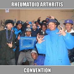 that dude at the front is a faker. He has Dupuytrens contracture lol