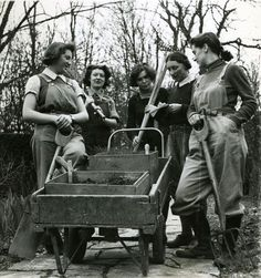 land girls during WWII ~