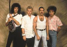 Brian May, Roger Taylor, Freddie Mercury, John Deacon - Backstage at Live Aid