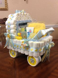 Eleganter Windelkinderwagen / A Baby Shower Centerpiece oder… - Baby Diy . Eleganter Windelkinderwagen / A Baby Shower Centerpiece oder… – Baby Diy Regalo Baby Shower, Mesas Para Baby Shower, Baby Shower Gift Basket, Baby Shower Gifts For Boys, Baby Shower Diapers, Baby Shower Fun, Baby Showers, Unique Baby Shower Gifts, Basket Gift