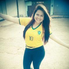 Águida Oliveira já está treinando a comemoração dos gols do Brasil