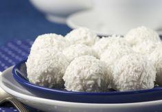 Biscotti al cocco: la ricetta veloce che si prepara con soli 3 ingredienti