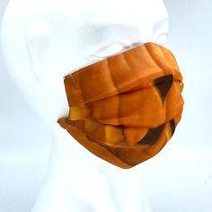 Hochwertige Design-Mund-Nasen-Masken für Halloween von Stylemask.at. Laufend neue Designs. 100% handmade in Austria. Maske Halloween, Designs, Masks