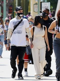 Kourtney Kardashian, Kardashian Style, Celebrity Outfits, Celebrity Style, Disneyland, Travis Barker, Casual Outfits, Fashion Outfits, Celebs