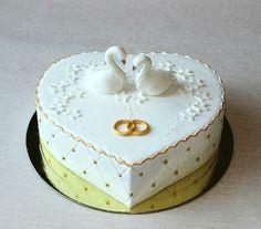 Amazing Wedding Cakes, Elegant Wedding Cakes, Amazing Cakes, Heart Shaped Cakes, Heart Cakes, Pretty Cakes, Beautiful Cakes, Fondant Cakes, Cupcake Cakes