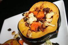 Sweet & Spicy Cauliflower-Stuffed Acorn Squash #paleo