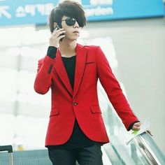 Chaqueta roja casual para hombre delgado chaqueta de hombre de ropa de  color rojo traje para 27b60de6fe63