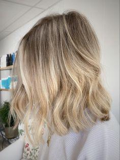Blunt cut Blunt Cuts, Blonde Balayage, Blunt Hair