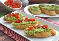 Avocado Toast, Guacamole, Breakfast, Ethnic Recipes, Food, Morning Coffee, Essen, Meals, Yemek