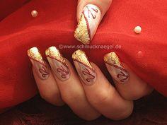 Nail Art Motivo 8 - Esmalte blanco perla rojo papel de oro - http://www.schmucknaegel.de/