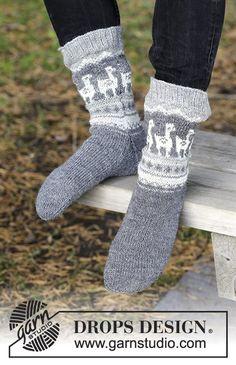 Lama Rama Socks / DROPS - Knitted socks with multicolored Norwegian pattern . Lama Rama Socks / DROPS - Knitted socks with multicolored Norwegian pattern for men. Sizes 35 - The piece is . Baby Knitting Patterns, Knitting Designs, Knitting Projects, Crochet Patterns, Knitting For Beginners, Easy Knitting, Loom Knitting, Knitting Socks, Drops Design