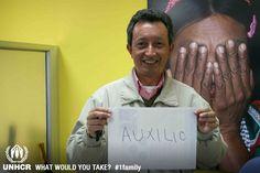 Manuel llevaría papel y lapíz para pedir auxilio.    - Visit 1family: http://www.unhcr.org/1family