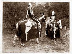 I love vintage halloween pictures!