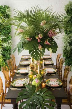 The atmosphere of hot tropics with their bright landscapes requires unusual tropical decor. Find tropical wedding decor ideas in our post. Tropical Wedding Decor, Tropical Bridal Showers, Tropical Home Decor, Tropical Party, Tropical Furniture, Estilo Tropical, Tropical Vibes, Tropical Colors, Summer Table Decorations