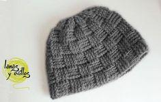 Basketweave Stitch Hat - Free Pattern w/video tutorial Crochet Quilt, Easy Crochet, Free Crochet, Knit Crochet, Crochet Hats, Front Post Double Crochet, Knitting Accessories, Crochet Patterns, Crochet Tutorials