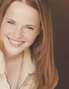 Very cool actress and reminds me of my Mom. Katie Leclerc, Joanna Garcia, Ginger Models, Deaf People, Red Hair Woman, Hottest Redheads, Strawberry Blonde, Beautiful Redhead, Cute Faces