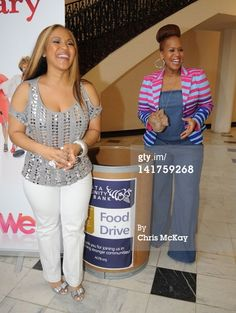 News Photo: Erica Atkins Campbell and Tina Atkins Campbell donate… Curvy Girl Fashion, Love Fashion, Plus Size Fashion, Fashion Beauty, Goo Goo Atkins, Erica Campbell, Plus Size Corset, Mary Mary, Full Figure Fashion