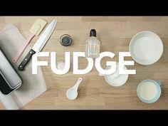 Näin valmistat Fudge-kermatoffeeta - YouTube Fudge, Candy, Youtube, Food, Toffee, Meal, Sweets, Essen, Youtubers
