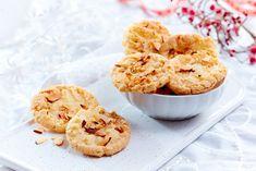 Gode glutenfrie kaker til jul Krispie Treats, Rice Krispies, Cereal, Breakfast, Desserts, Food, Brown, Morning Coffee, Tailgate Desserts