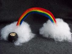 Google Image Result for http://www.craftelf.com/Crafts/St._Patrick%27s_Day_pot_of_gold_rainbow_printable_Pot%2520of%2520Gold%2520Rainbow%2520Craft.JPG
