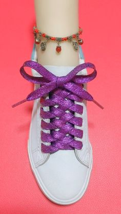 How to tie shoelaces Ways To Tie Shoelaces, Sagging Face, Free Baby Shower Invitations, Face Wrinkles, Face Skin, Muscle, Vans, Exercise, Sneakers