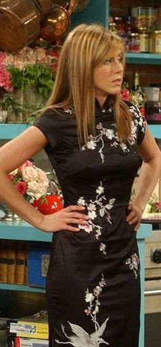 Leave it to Rachel Green to look supsercic in a Cheongsam dress.