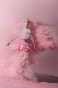 Whimsical photography by swiss artist oliver oettli. Pink Love, Pale Pink, Pretty In Pink, Editorial Photography, Fashion Photography, Whimsical Photography, Pink Photography, Art Magique, Foto Fantasy