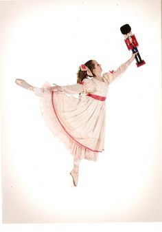 clara, nutcracker, ballet, christmas, silberhaus, rat king, pointe shoes, ballet slippers, party scene, arabesque