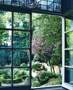 Reposting @fohlio: One of the best things about summer is the lush greenery: formal garden from the windows of the Viktor & Rolf headquarters. 📷: Kasia Gatkowska ♻️: @vogueliving #garden #goals #gardengoals #summer #design #interiordesign #interiordesigner #landscaping #home #ViktorandRolf #green #greenthumb #terraces #balconies #courtyards #architecture #fohlio #MadeWithFohlio
