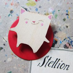 wooden cat made by Stellion ... fell in love with it!